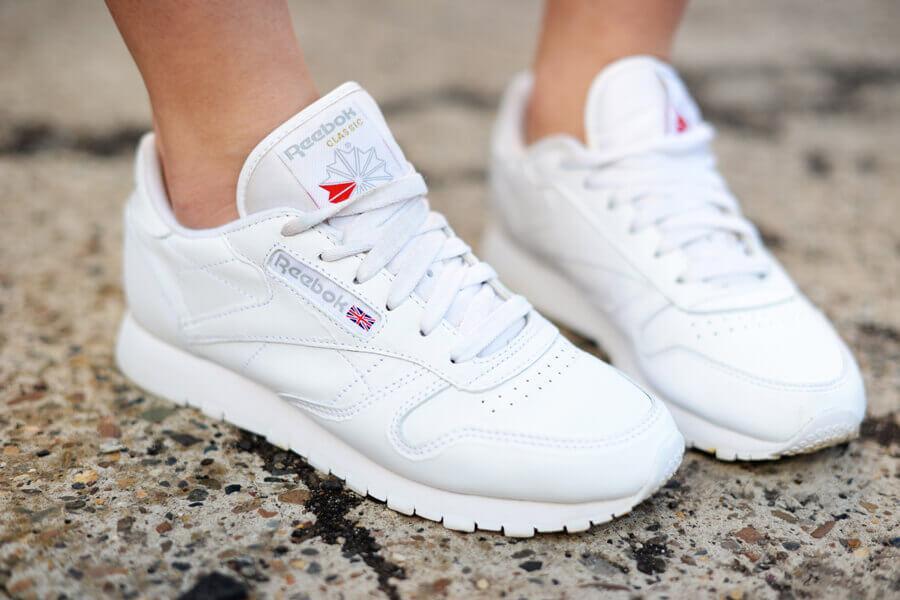 Как сделать белые кроссовки белоснежными