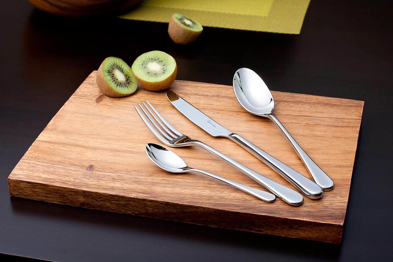 Как отчистить ложки, ножи и вилки до блеска