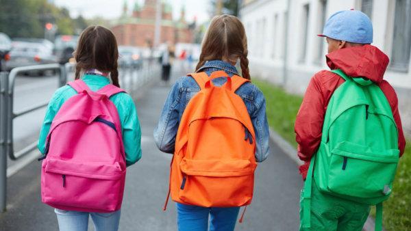 Как почистить школьный рюкзак