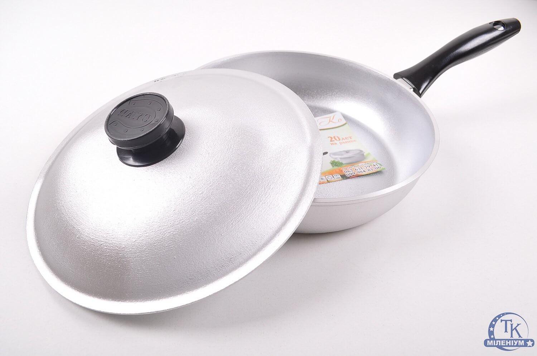 Чистим алюминиевые сковороды от нагара и жира