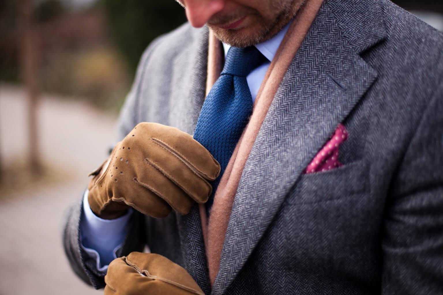 Как правильно почистить или постирать пиджак