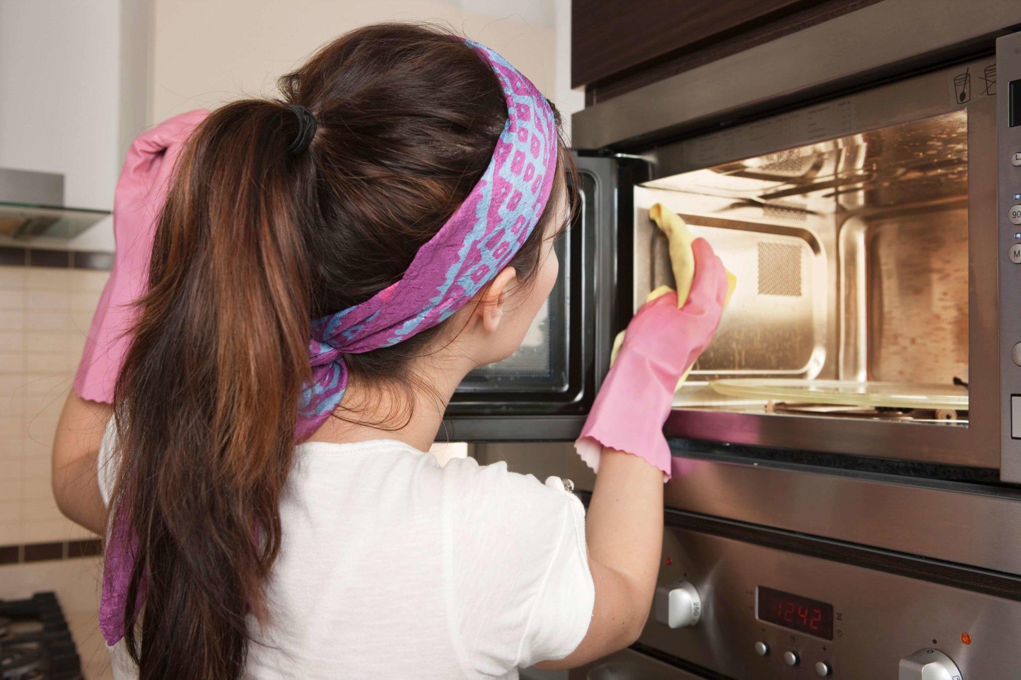 21 способ отчистить микроволновку от жира и других загрязнений