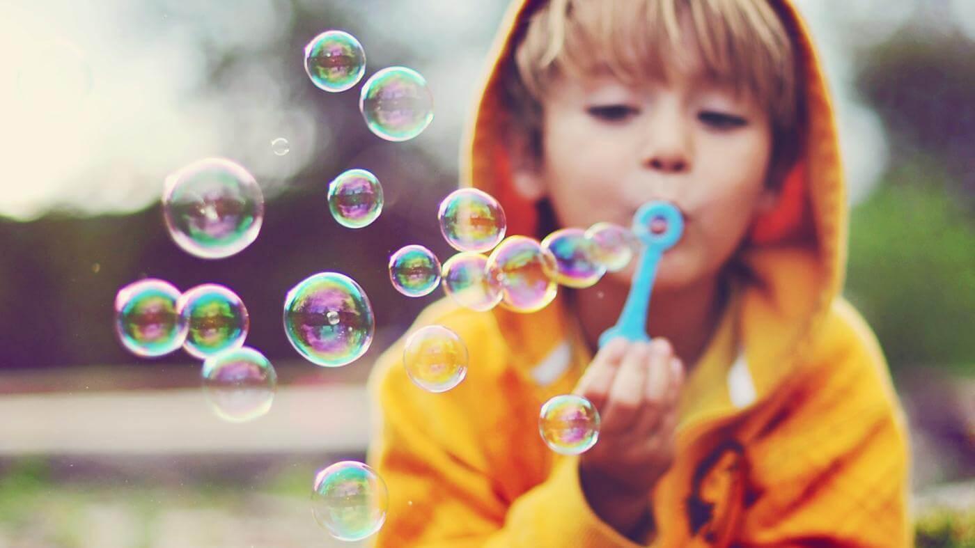 9 способов сделать мыльные пузыри дома