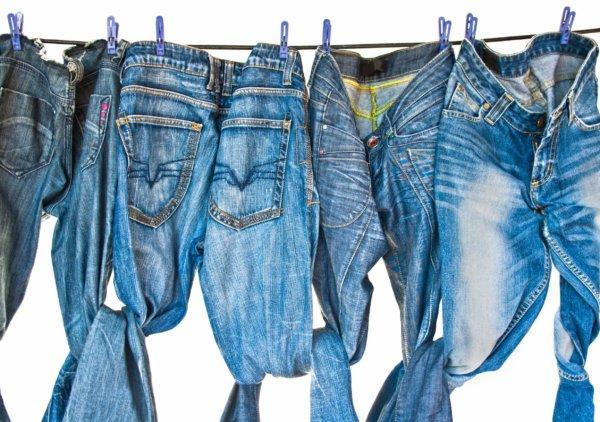 Чем стирать джинсы чтобы не теряли цвет