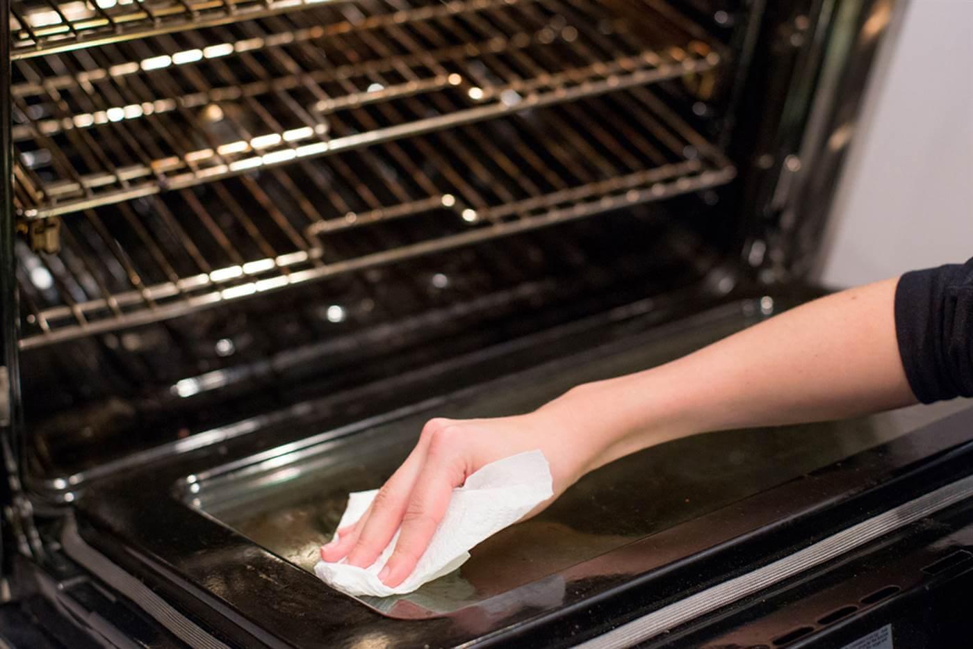 Самые эффективные способы отмыть духовку от старого жира