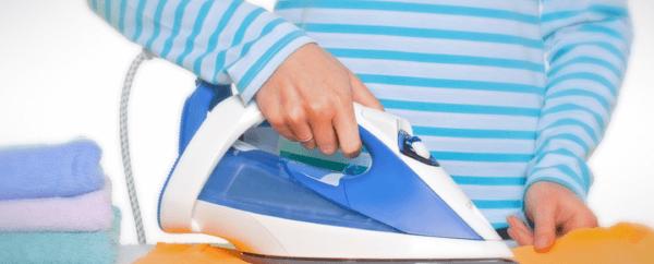 Как убрать с юбки воск