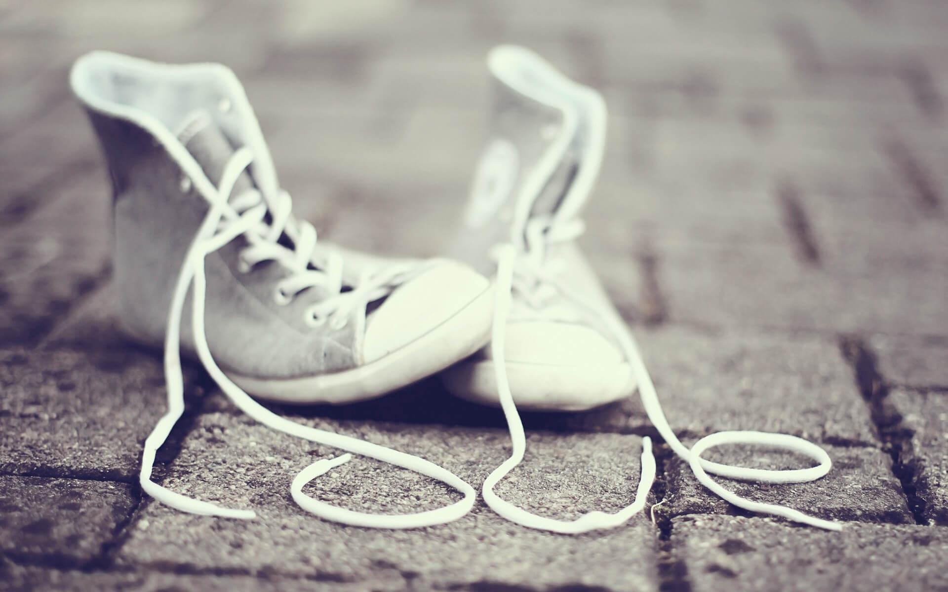 Эффективные средства для чистки белых кроссовок