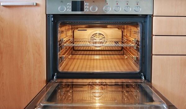 Как действует пиролитическая очистка духовки