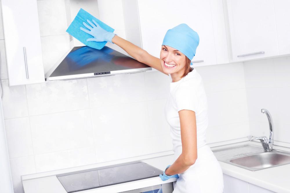 7 способов отчистить кухонную вытяжку от пыли и жира