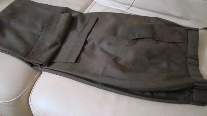 Как убрать блеск с брюк от долгой носки