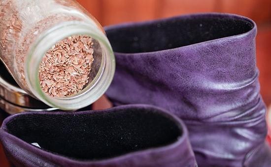 Как разносить замшевые туфли, которые жмут, в домашних условиях