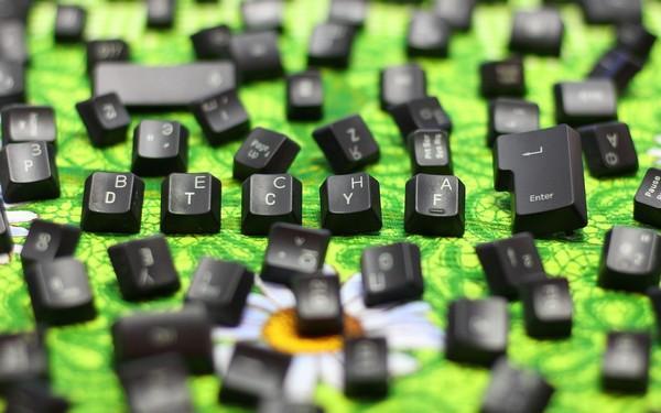 Как чистить клавиатуру и правильно е собрать в домашних условиях