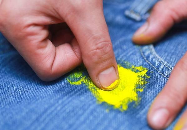 Какие средства помогут оттереть краску с одежды