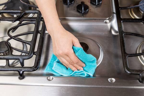 Как почистить газовую или электрическую плиту в домашних условиях