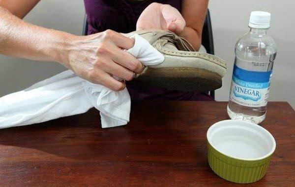 Как почистить замшу от грязи в домашних условиях