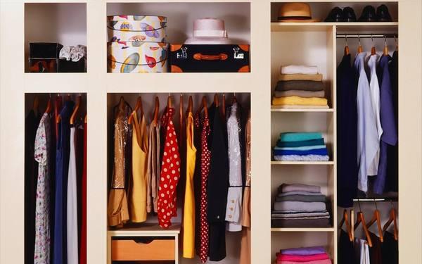 Как навести порядок в платяном шкафу
