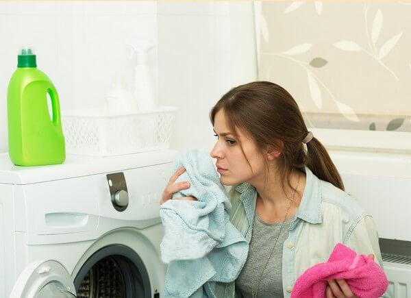 Как устранить неприятные запахи из стиральной машинки