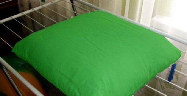 hoznauka 1593 600x308 - Как стирать подушку «антистресс», можно ли ее стирать в стиральной машине автомат
