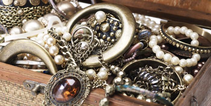 12 способов почистить серебро от потемнений
