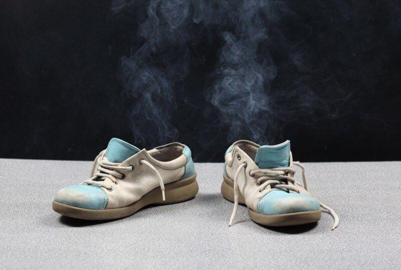 12 средств, которые избавят от запаха в обуви