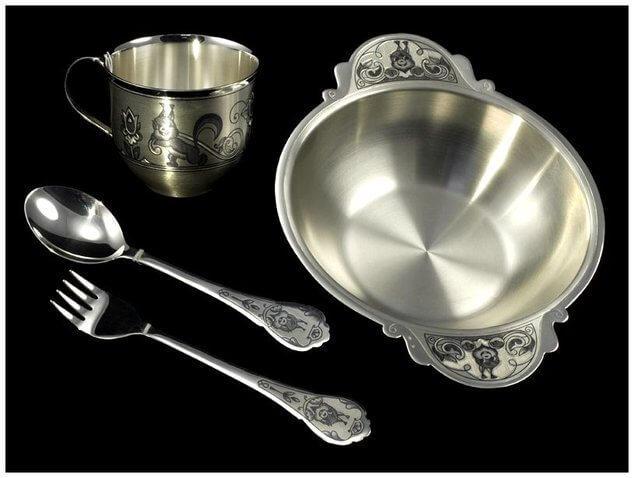 Как почистить столовое серебро от темного налета