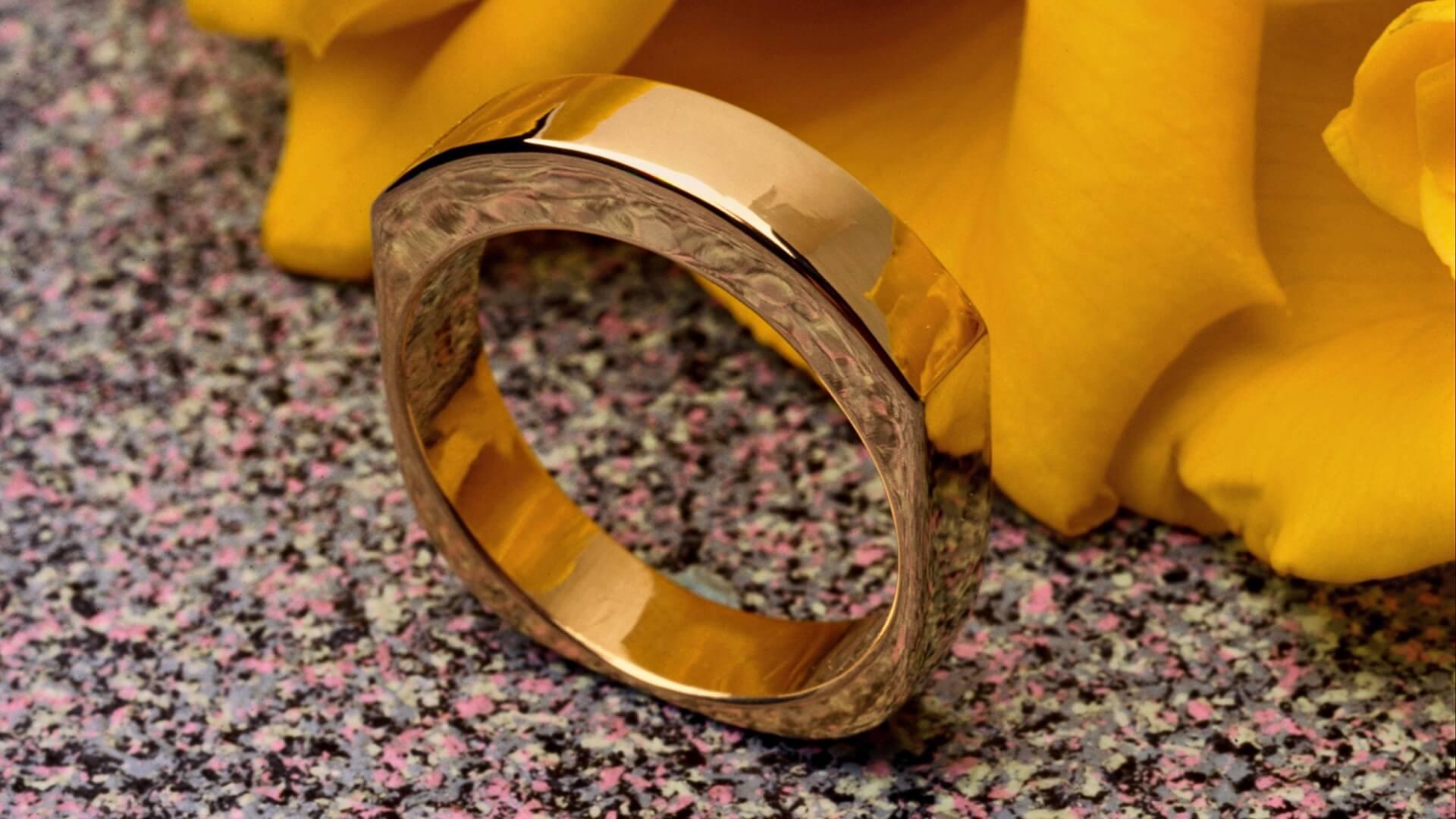 Чистим золотые украшения народными средствами