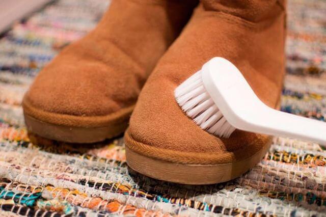 Как отчистить угги от грязи и солевых разводов