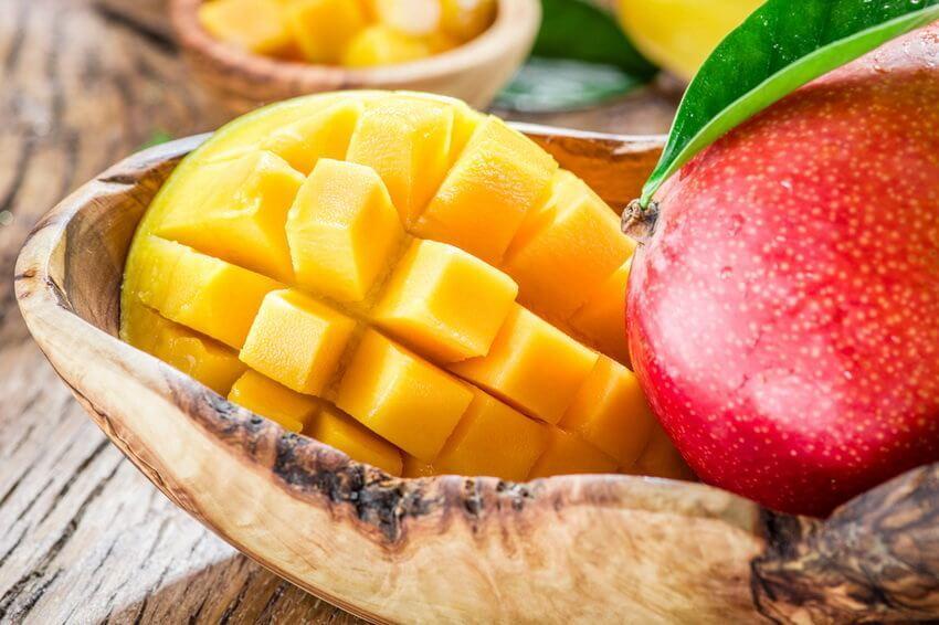 4 способа быстро почистить манго