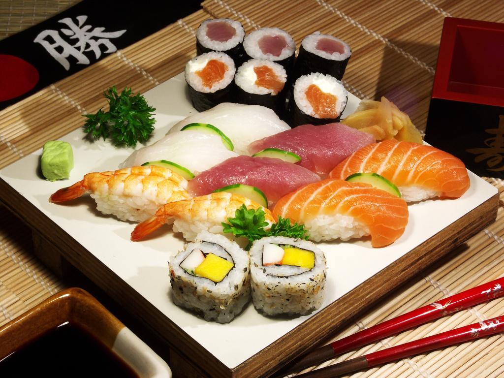 Сколько хранятся суши и роллы