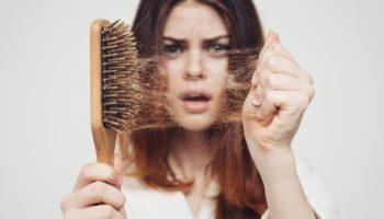 Как почистить расчески для волос