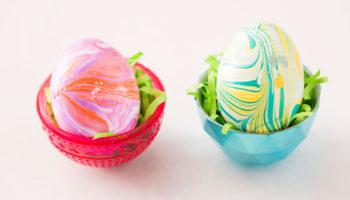 Красим пасхальные яйца лаком для ногтей