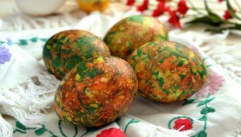 Как покрасить яйца под мрамор