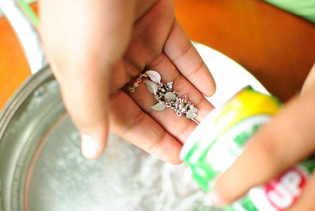 Как почистить жемчуг и не испортить украшение